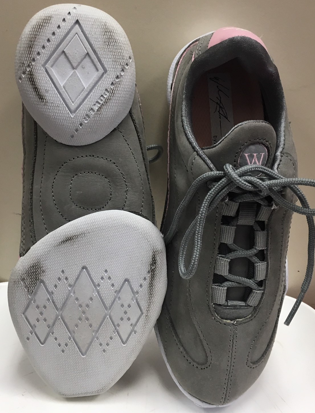 Wade Robson Wajero Signature Flexible Dance Sneaker Grey Pink