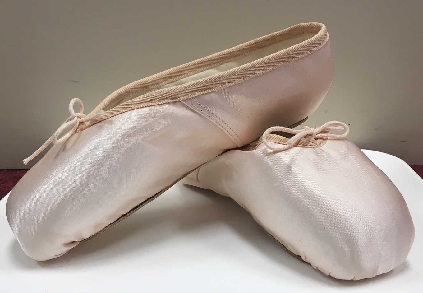 Gamba Satin Pointe Shoes