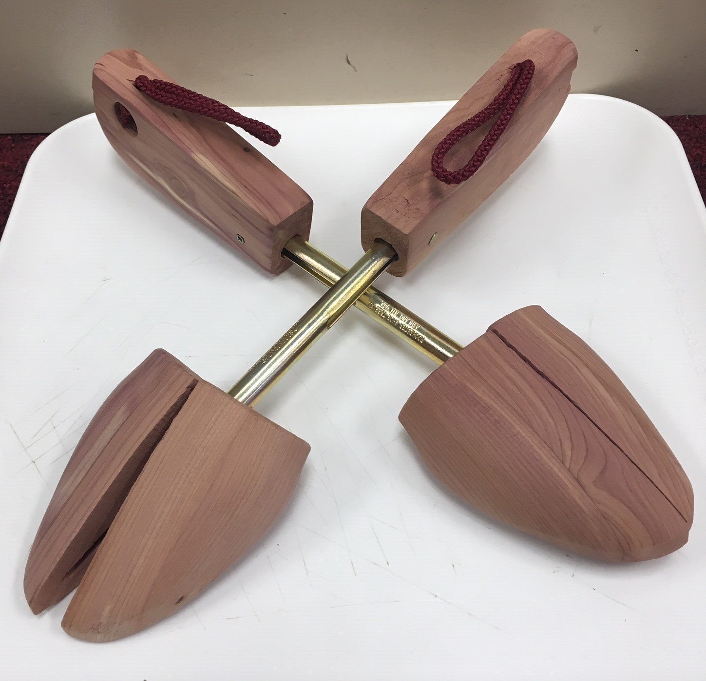 Barry's Jean Cedar Shoe Trees