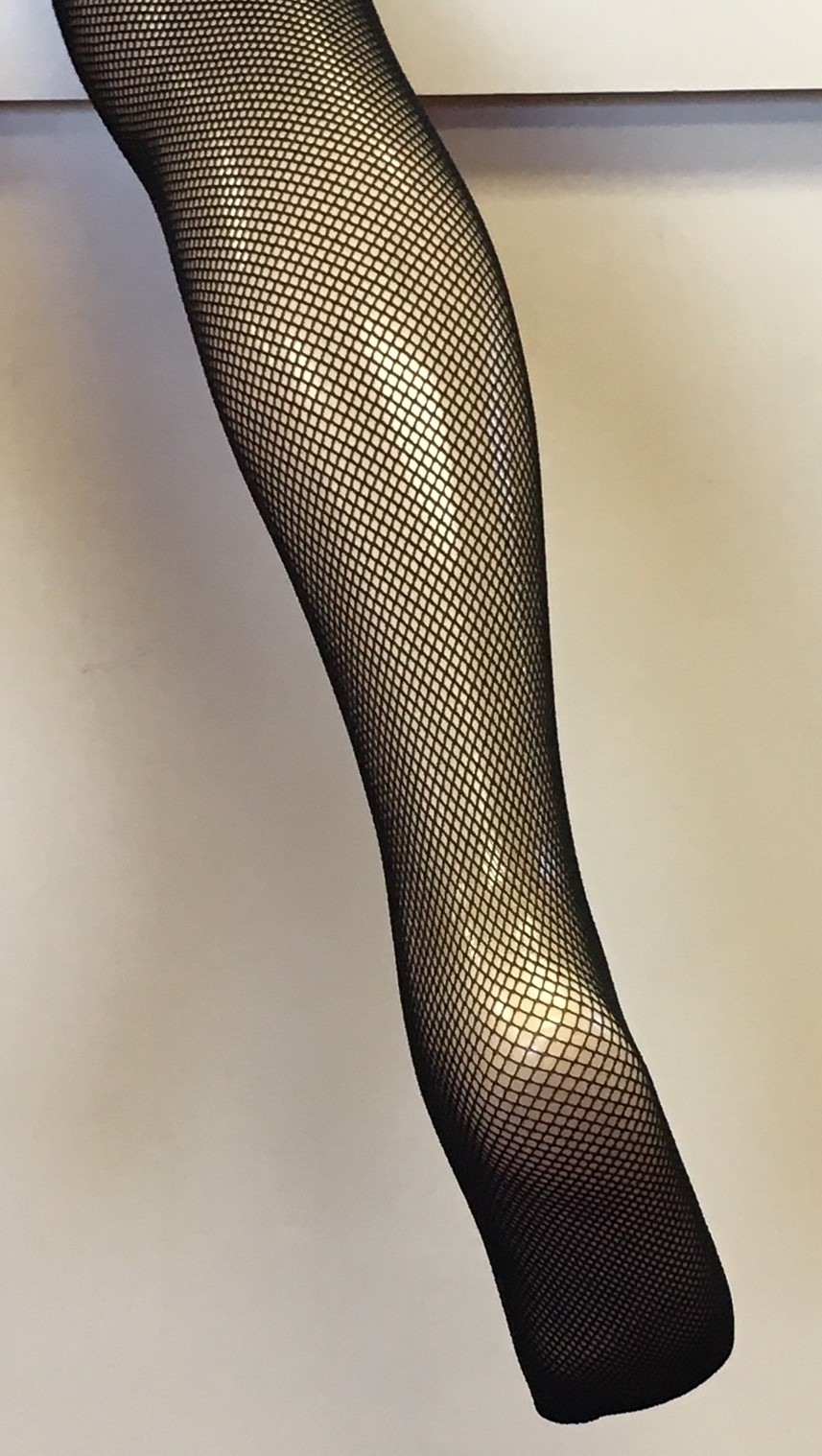 Bodywrappers Women's No Seams Footed Fishnet Tights