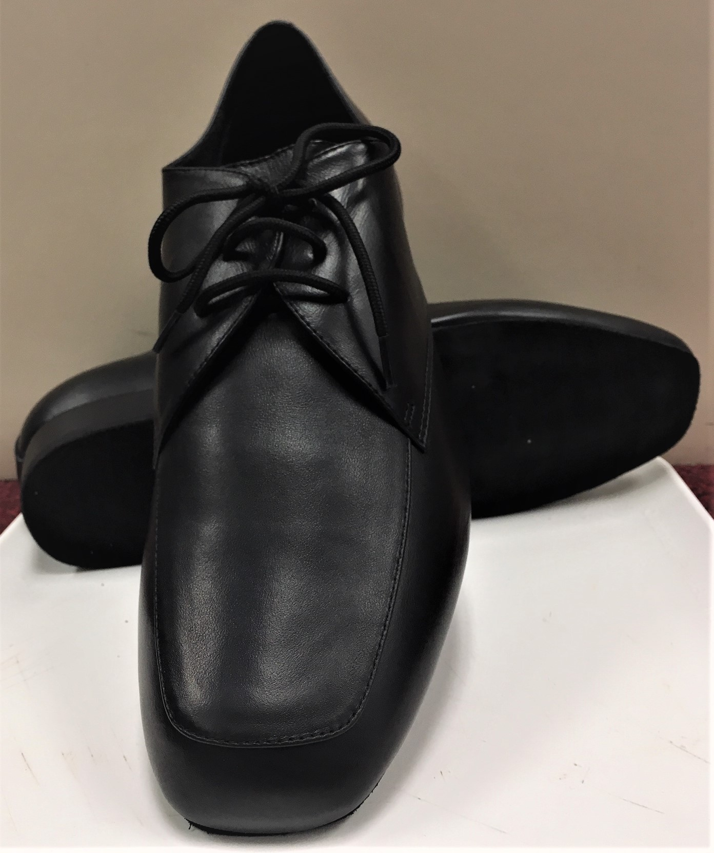 Capezio Men's Ben 1 Inch Heel Ballroom Shoe