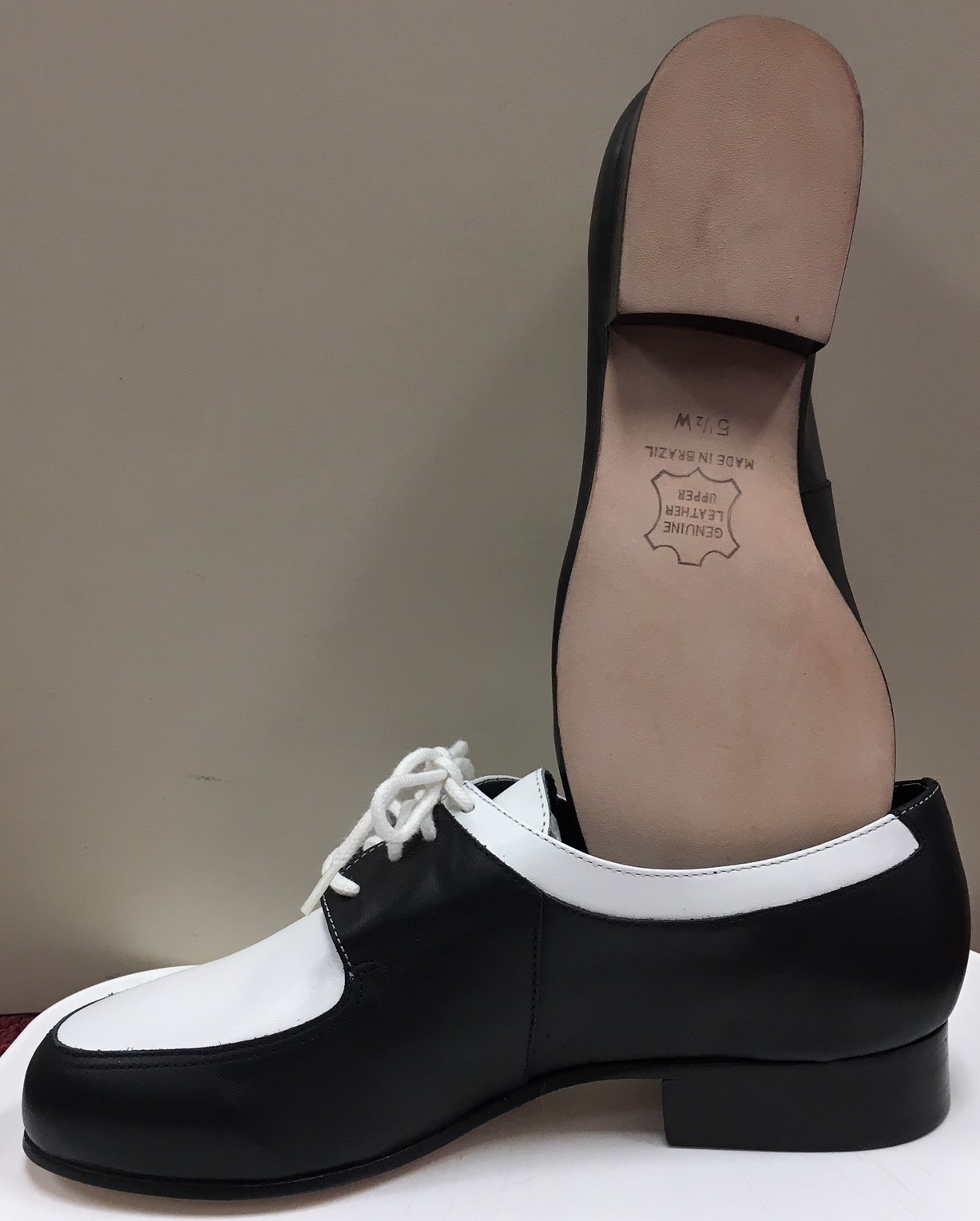 Dione 2 Tone Swing Shoe 1 1/2 Heel Character Shoes