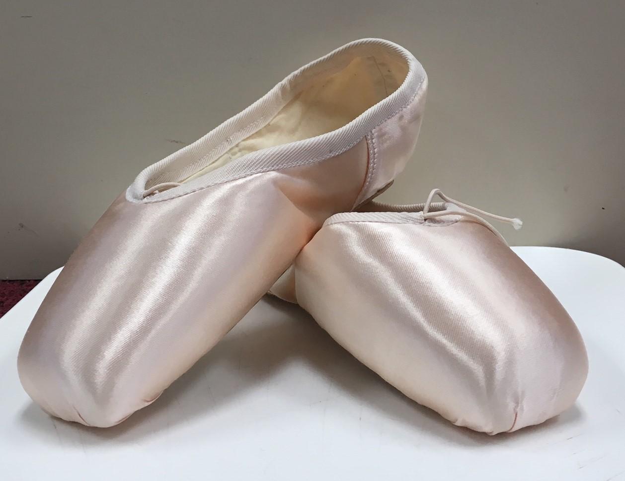 "Russian Pointe Full Sole Medium U Vamp Flexible Medium Shank ""Polette"" Pointe Shoe"