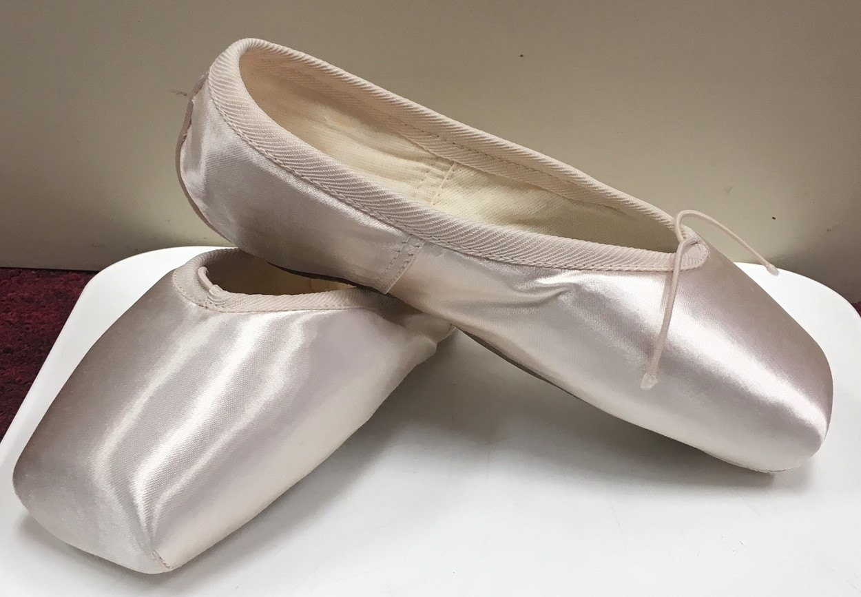 Russian Pointe Women's Rubin Flexible Soft Shank Pointe Shoe
