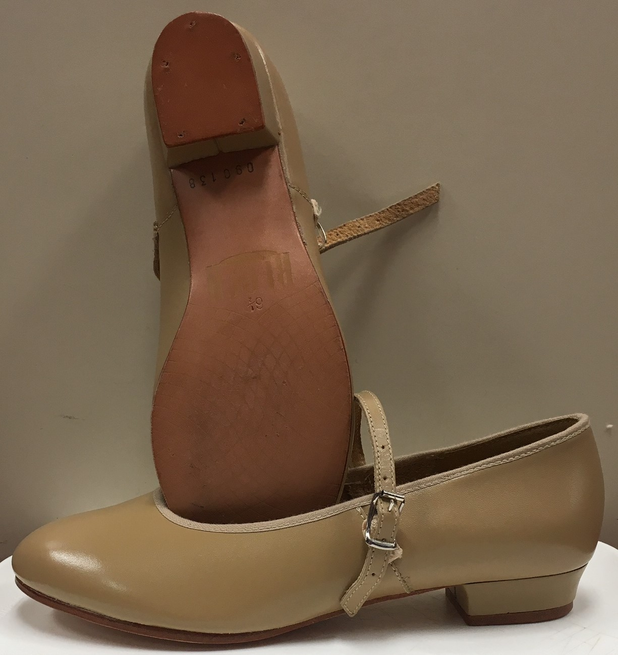 Bloch Children's Rhythm 1 Inch Heel Buckle Character Shoes