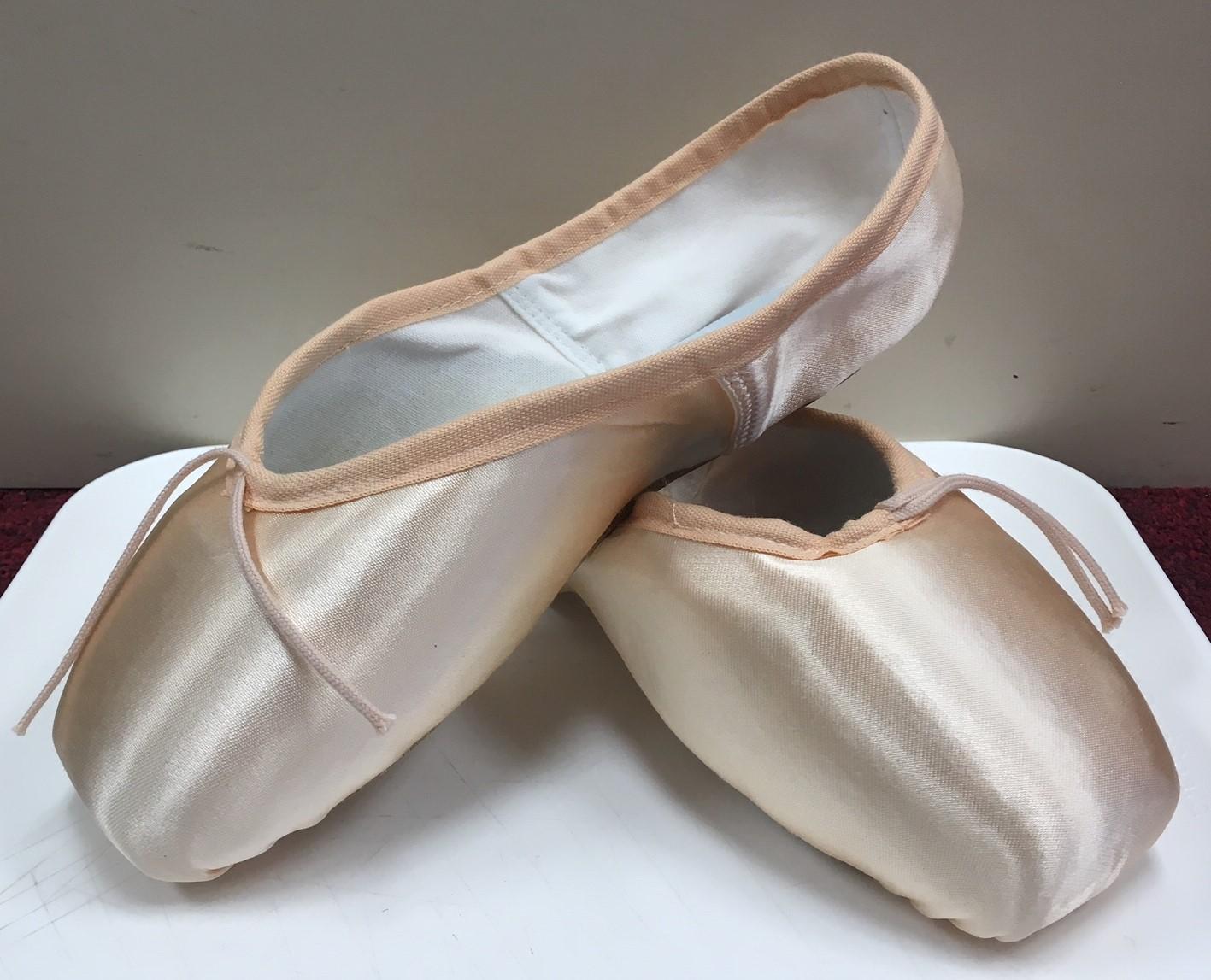 Freeds Women's Studio II Low Profile Standard Shank Pointe Shoes